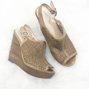 Coach Tanned Jaklyn Wooden Wedges - Size 6.5B